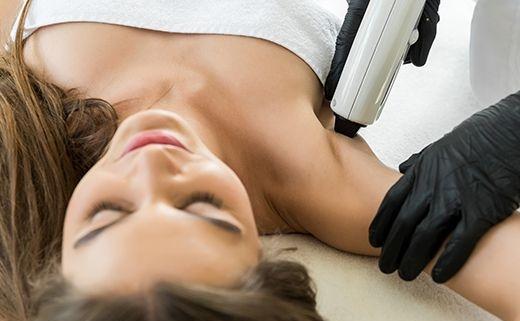آیا درمان موهای زائد با استفاده از دستگاه لیزر باعث سرطان میشود؟