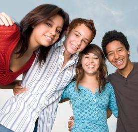 آیا استفاده از دستگاه لیزر برای نوجوانان امن است؟